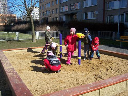 Dětské hřiště v Praze 13