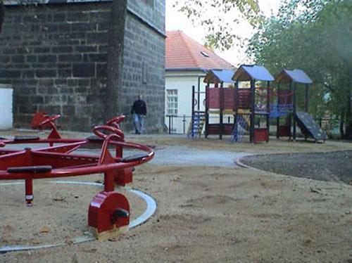 Dětské hřiště U Rybníčku